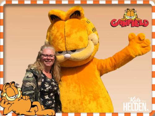 Garfield, Meet & Greet met Garfield, Garfield boeken, Garfield inhuren, Garfield huren, Garfield op bezoek, Garfield activiteiten, Garfield foto actie, Bekende Kindercharacters boeken, kinderfiguren inhuren, winkelcentrumpromotie, looppop inhuren, Bekend Kindercharacter boeken, looppop boeken, tv karakter boeken, tv karakter inhuren, winkelcentrum promotie